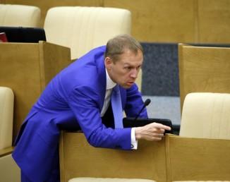 Андрей Луговой перед пленарным заседанием Государственной думы РФ. Фото: ИТАР-ТАСС