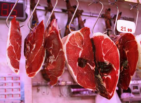 Замена мяса млекопитающих блюдами из рыбы идомашней птицы существенно снижает риск смерти от сердечно-сосудистых заболеваний, некоторых видов рака иболезней обмена.