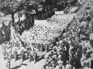 В 1959 году вЛатвийской ССР проживало 2093458 человек.