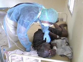 Международная благотворительная организация «Врачи без границ» назвала «беспрецедентным» масштаб эпидемии лихорадки Эбола вГвинее. Очаги заболевания разделяют сотни километров, что чрезвычайно затрудняет контроль над распространением инфекции.