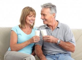 Молочные продукты содержат кальций иминералы, полезные для укрепления костей. Потребление молочных продуктов также способствует снижению вероятности развития  метаболических нарушений.