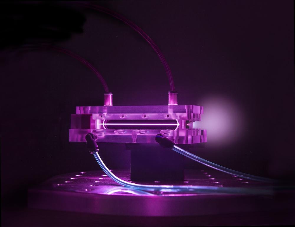 Капиллярный волновод длиной 9сантиметров был использован вэксперименте по получению гигаэлектронвольтных пучков электронов.