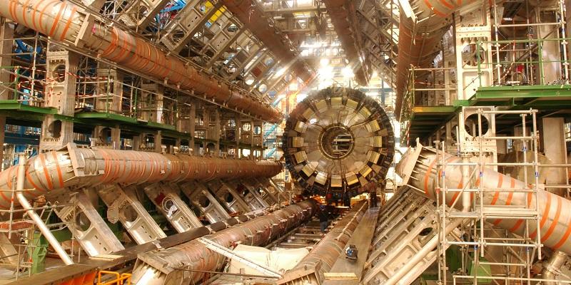 Детектор <i>ATLAS</i> Большого адронного коллайдера.