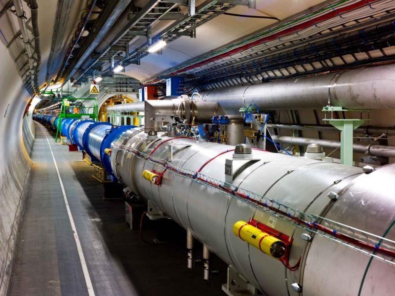 Большой адронный коллайдер готовят кработе наболее высокихэнергиях столкновений.