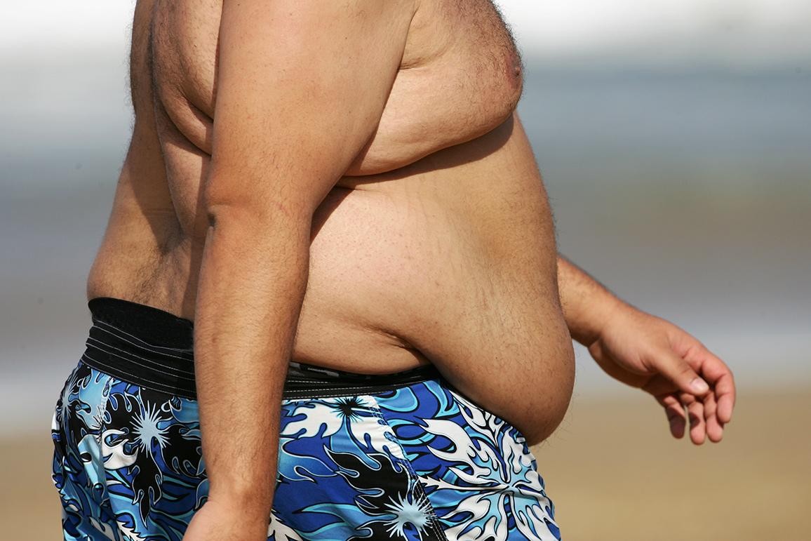 По мнению автора статьи, существенная часть вины за глобальную пандемию ожирения исердечно-сосудистых заболеваний лежит набезответственных диетологах.