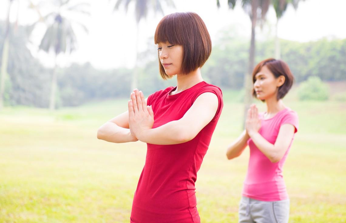 Медитация, цигун или тайчи невылечат рак, но улучшить общее самочувствие иногда могут.