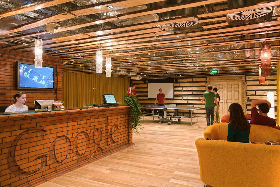 Фойе офиса <i>Google</i> вМоскве.