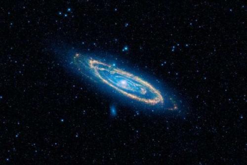 Галактика Андромеды винфракрасном свете