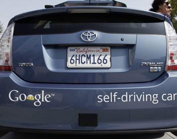 ДТП сбеспилотными авто Google. Виноваты люди