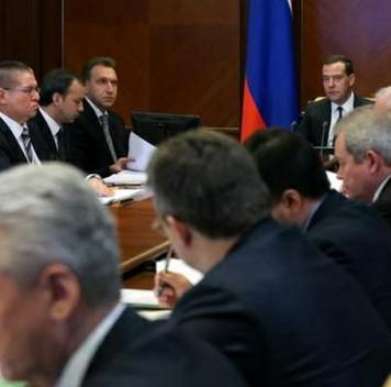 Медведев поручил разобраться впричинах роста смертности вРоссии