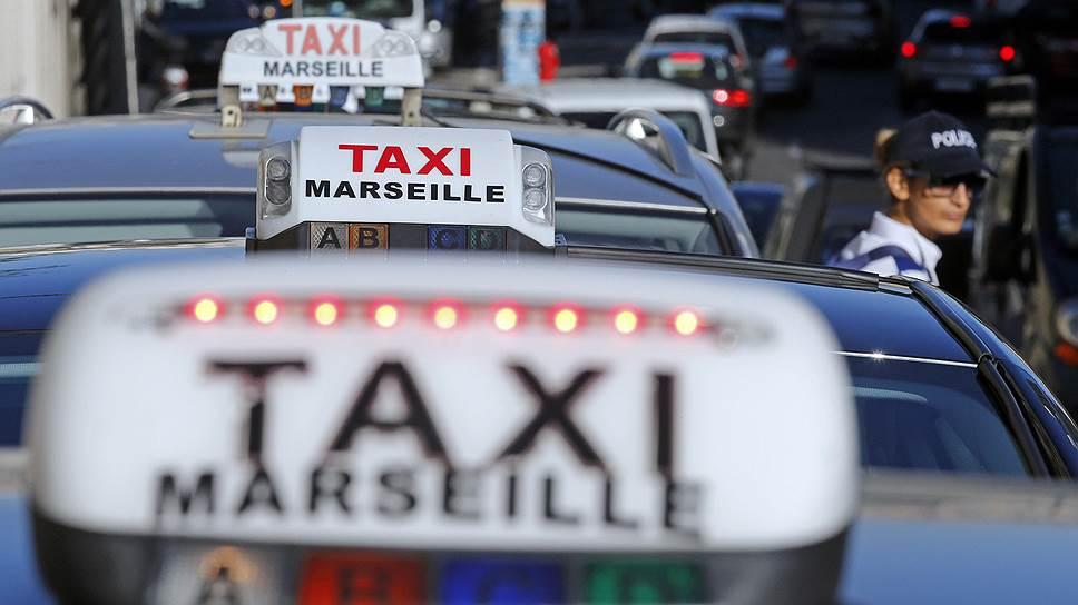 Таксисты Франции против <i>Uber</i>.