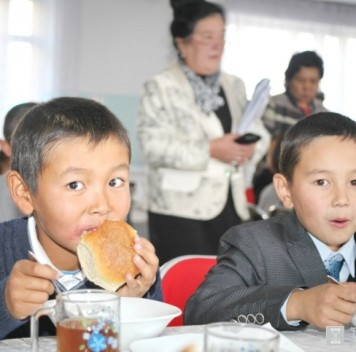 Россия развивает программу по улучшению школьного питания вКиргизии