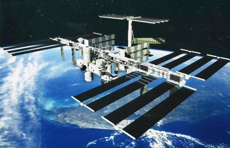 Международная космическая станция. Первый модуль станции выведен наорбиту 20 ноября 1998 года.