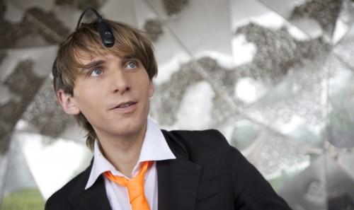Нил Харбиссон, человек свживлённой вчереп антенной