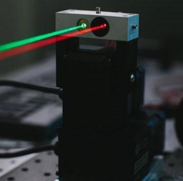 Facebook будет раздавать Интернет спомощью лазеров
