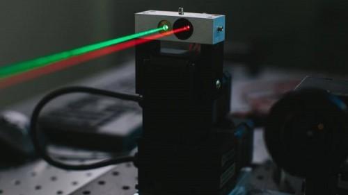 Лазерный комплекс «Фейсбука»