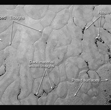 На поверхности Плутона обнаружены гладкие равнины