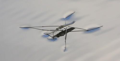 Робот входе выполнения тестовых прыжков выдерживал нагрузку— 13,8 g  (g —ускорение свободного падения наповерхности Земли); отмечается, что при старте космического корабля космонавты испытывают перегрузку в3—5g, апассажиры самолёта навзлёте— 1,5g.