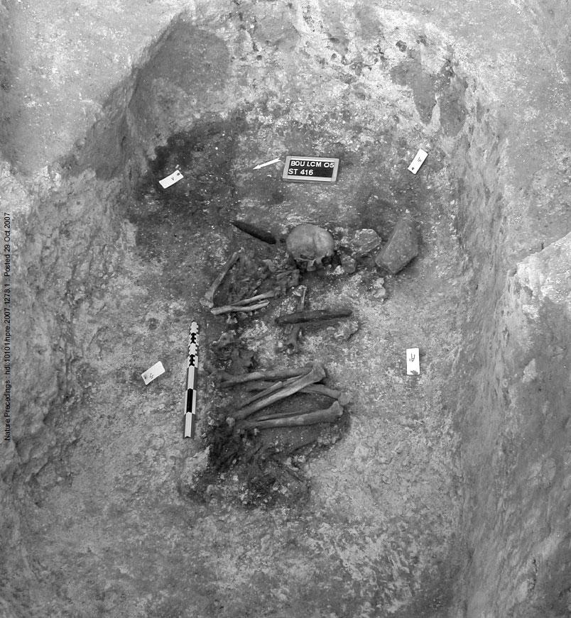 Погребение 416, Бютье-Буланкур, Франция. Источник: Buquet-Marcon 2007, p. 15