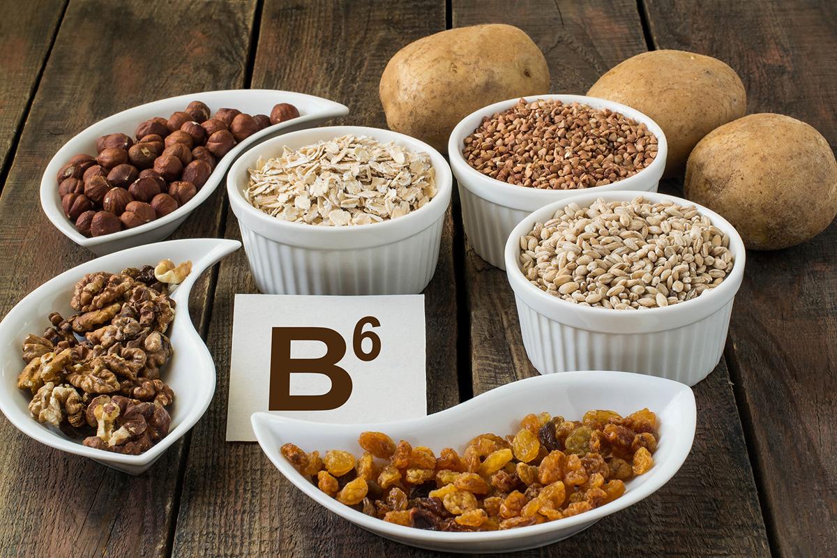 Витамин B6 содержится взлаках, вгречке, ворехах, картофеле, капусте, томатах, клубнике, черешне, цитрусовых, бобовых, вмясе, рыбе имолоке, вяйцах, винограде иво многих других продуктах. Сложно представить, чем нужно питаться, чтобы лишить организм этого вещества