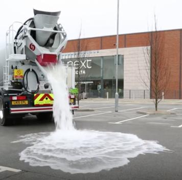 В Великобритании разработано водопроницаемое дорожное покрытие