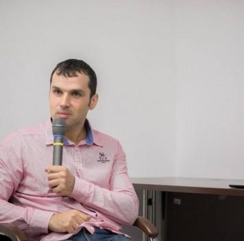 Александр Соколов: нетак уж давно мы были тупыми волосатыми мартышками