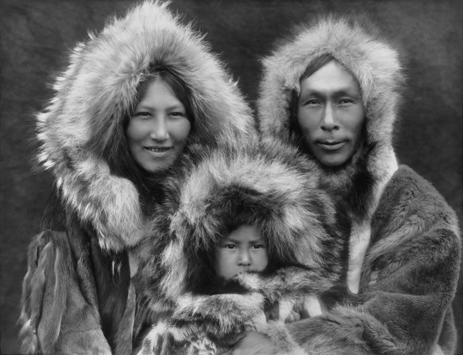 Эскимосы. Источник: https://en.wikipedia.org/wiki/Eskimo