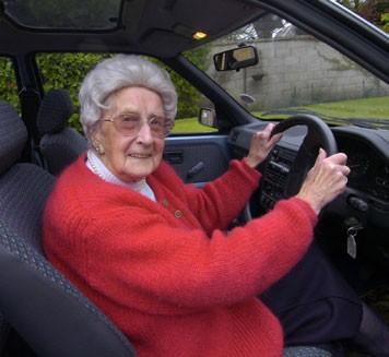Отказ от вождения ухудшает здоровье пожилых