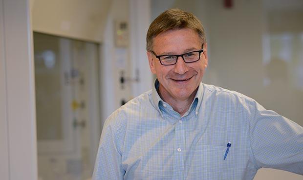 Dr Stanley Riddell