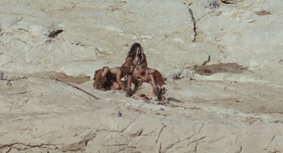 Счастливая неандертало-кроманьонская семья.