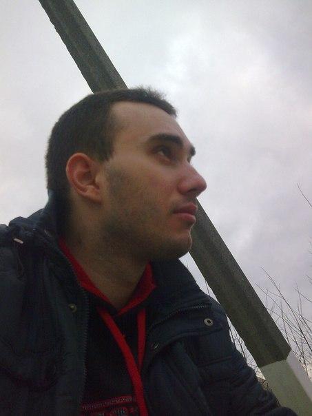 Автор игерой первой истории— Руслан.