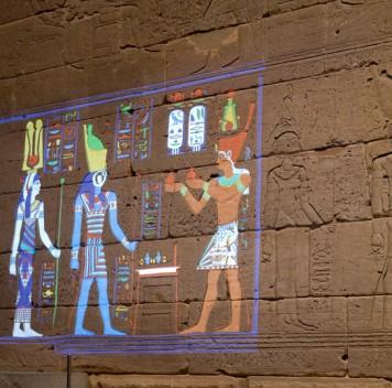 Древнеегипетский храм раскрасили спомощью новых технологий