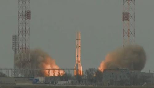 Момент старта ракеты-носителя Протон-М, несущей первую миссию проекта ExoMars: аппараты Trace Gas Orbiter иSchiaparelli