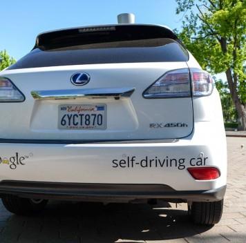 Автономный Google car впервые оказался виновником ДТП