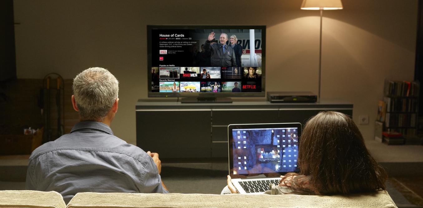 <i>Netflix</i> занимается производством собственного контента. Сериал «Карточный домик» ополитической борьбе вСША считается наиболее удачным из созданных компанией.