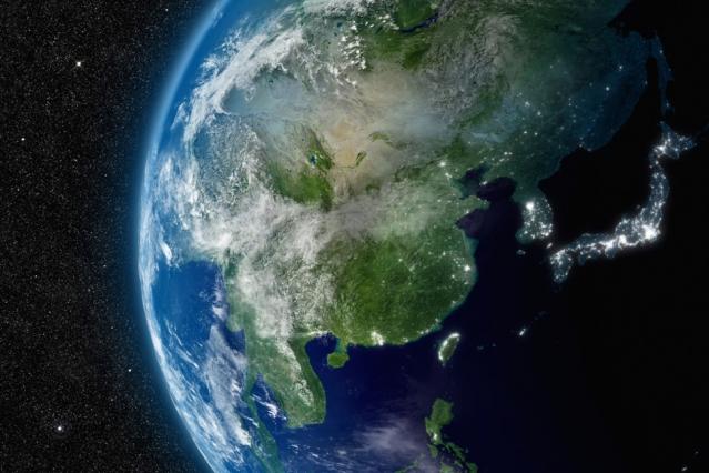 Потребление воды вКитае растёт сростом экономики, вИндии— сростом численности населения.