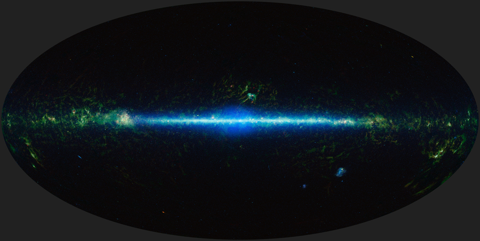 Мозаичная панорама неба винфракрасном свете