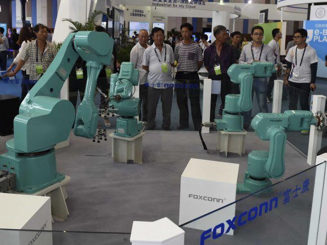 Роботы непрыгают скрыш фабрик ине требуют повышения зарплаты.