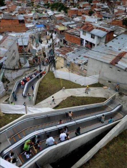 Эскалаторы вфавелах Медельина, Колумбия