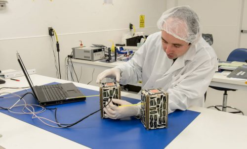 Подготовка спутников Nodes-1 иNodes-2 котправке наМКС