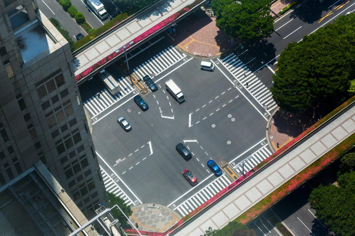 Пересечение дорог вТокио. Фото— antb / Depositphotos.