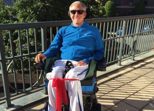 Джим Гасс— пациент, укоторого была обнаружена опухоль неизвестного ранее типа, развившаяся врезультате терапии последствий инсульта стволовыми клетками