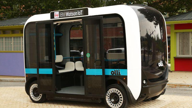 <i>Olli</i>— беспилотная маршрутка, которая разговаривает спассажирами.