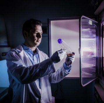 Новый биомаркер болезни Паркинсона можно найти вмоче