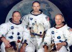 Астронавты миссии Аполлон-11 Нил Армстронг, Майкл Коллинз и Базз Олдрин первыми побывали на Луне.