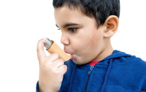 Лондонцы, рождённые во время Великого смога, будучи взрослыми, страдали от астмы  почти вдвое чаще, чем люди других возрастных групп.