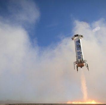 Компания Blue Origin впятый раз успешно приземлила свою многоразовую ракету