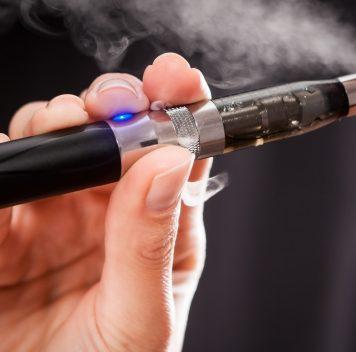 Электронные сигареты относительно безопасны
