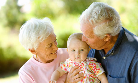Пожилые пары могут неволноваться отом, что уребёнка разовьётся шизофрения, авот аутизм придётся принять во внимание.