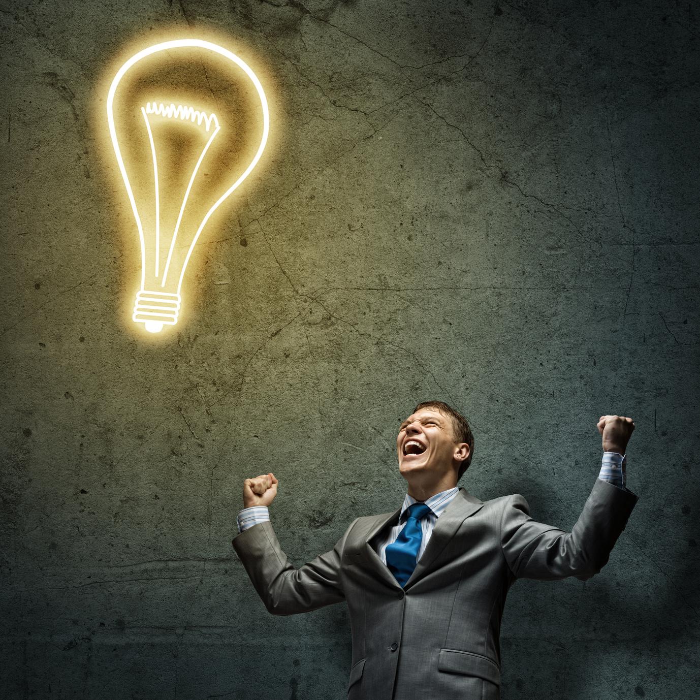 Накартинках идеи рисуют как лампочки, но вжизни внезапные открытия случаются довольно редко.